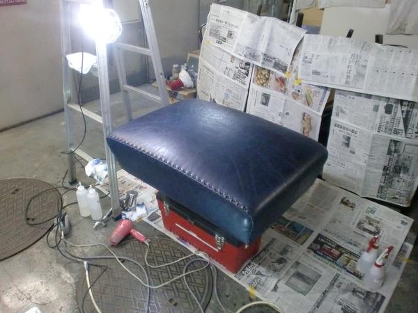 ホテル椅子リペア レザー劣化リペア塗装