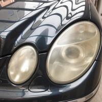 ベンツE500 ヘッドライト曇り除去