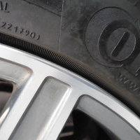 ベンツC200セダン ホイールリペア