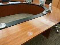 某企業様 役員会議室テーブルリペア