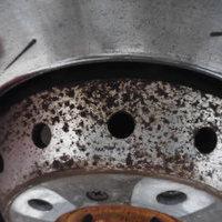 ポルシェパナメーラターボ フロントセンターハブ汚れ除去